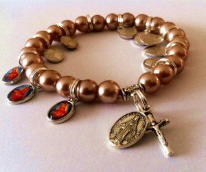 Mother Mary Pearl Bracelet